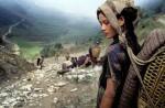 zene-plemena-chhetri-nose-po-stotinu-kilograma-tereta-na-tradicionalan-nacin-nepal