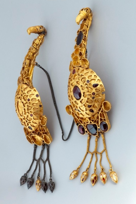 Zlatne orlovske fibulae iz Rumunjske.