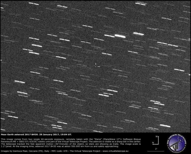 Slabašna fotografija asteroida 2017 BH30 otkrivenog samo nekoliko sati prije negoli je isti prošao pored Zemlje na 51 tisuću kilometara udaljenosti.