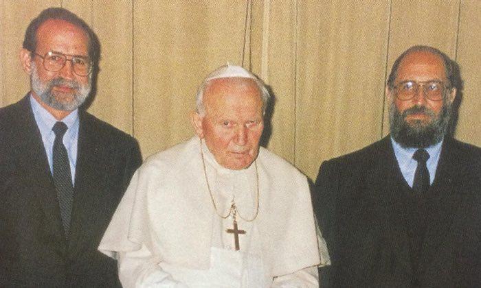 papa Ivan Pvao II i desno Luis Fernando Figari, kojeg je Vatikan pomilovao iako je zlostavljao ponajviše djecu.