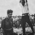 japanski vojnik se prirpema na egzekuciju vojnika Leonard Siffleeta 1943
