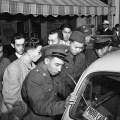 mladi amerikanci japanci se prijavljuju u vojsku 08-12-1941