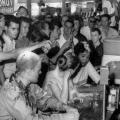 Pripadnici pasivnog otpora za prava crnaca u američkom baru