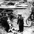 ruski siročići nakon što su im Nijemci ubili roditelje 1942.
