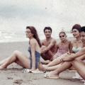 Iranke na plaži tijekom 70-tih godina XX. vijeka prije islamske revolucije