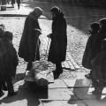žene prevoze mrtve tijekom bitke za Lenjingrad
